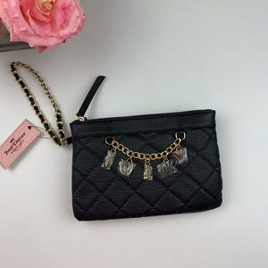 🆕Juicy Couture Black Quilted Gold Chain Wristlet